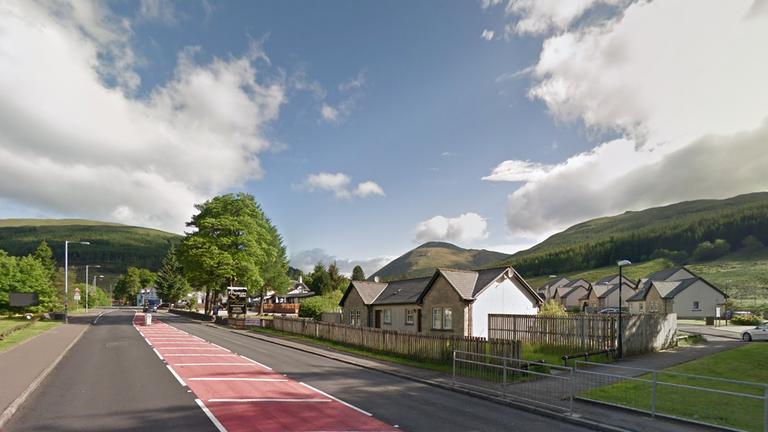 La température la plus élevée enregistrée au Royaume-Uni jusqu'à présent en août se situe à Tyndrum, en Écosse.  Pic.  Google Maps