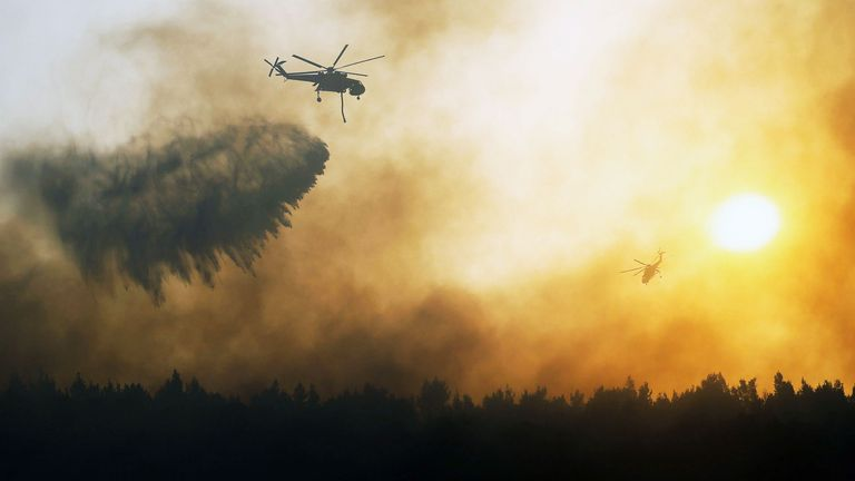 Wildfires in Greece ending closer to Athens