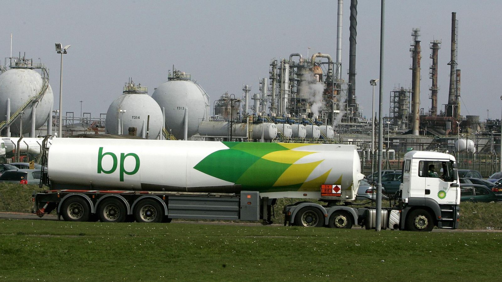 BP 'prioritising' fuel deliveries as driver shortages hit supplies – and some stations are shut