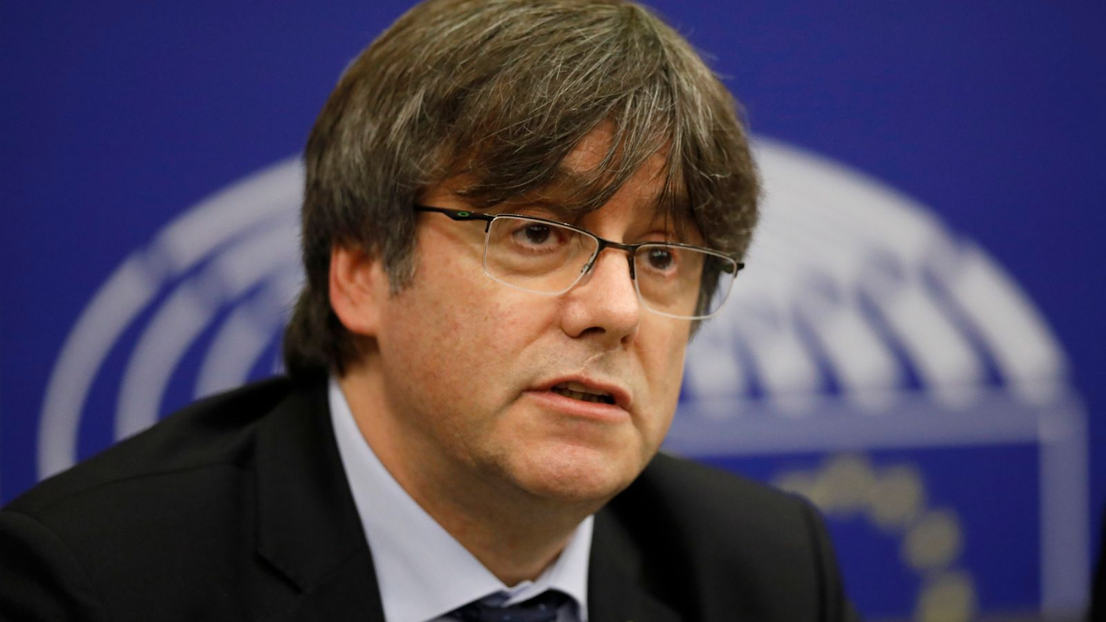 Carles Puigdemont: Former Catalan independence leader arrested in Italy