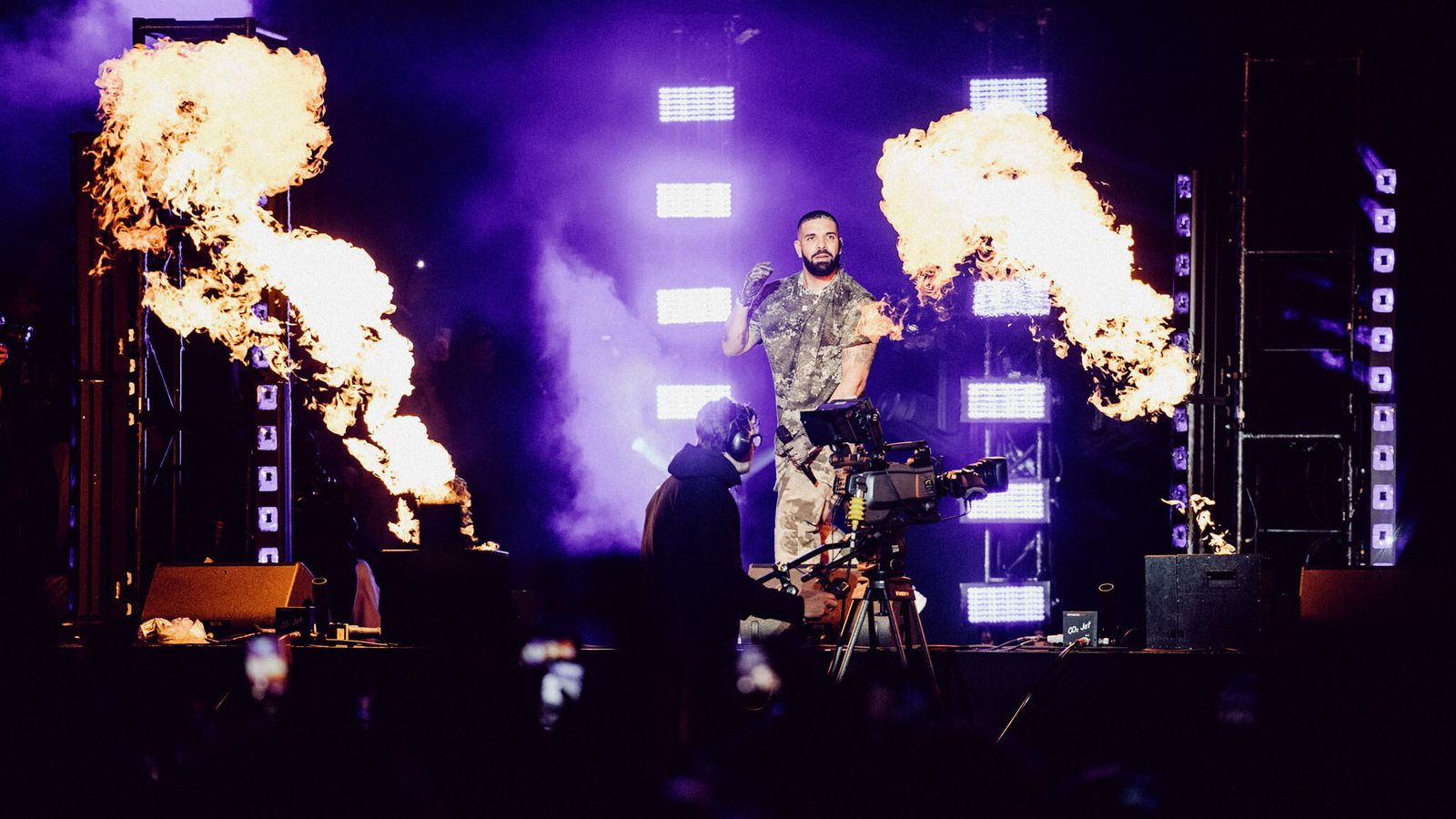 Wireless Festival: Drake makes a surprise appearance – performing live for first time since pandemic began