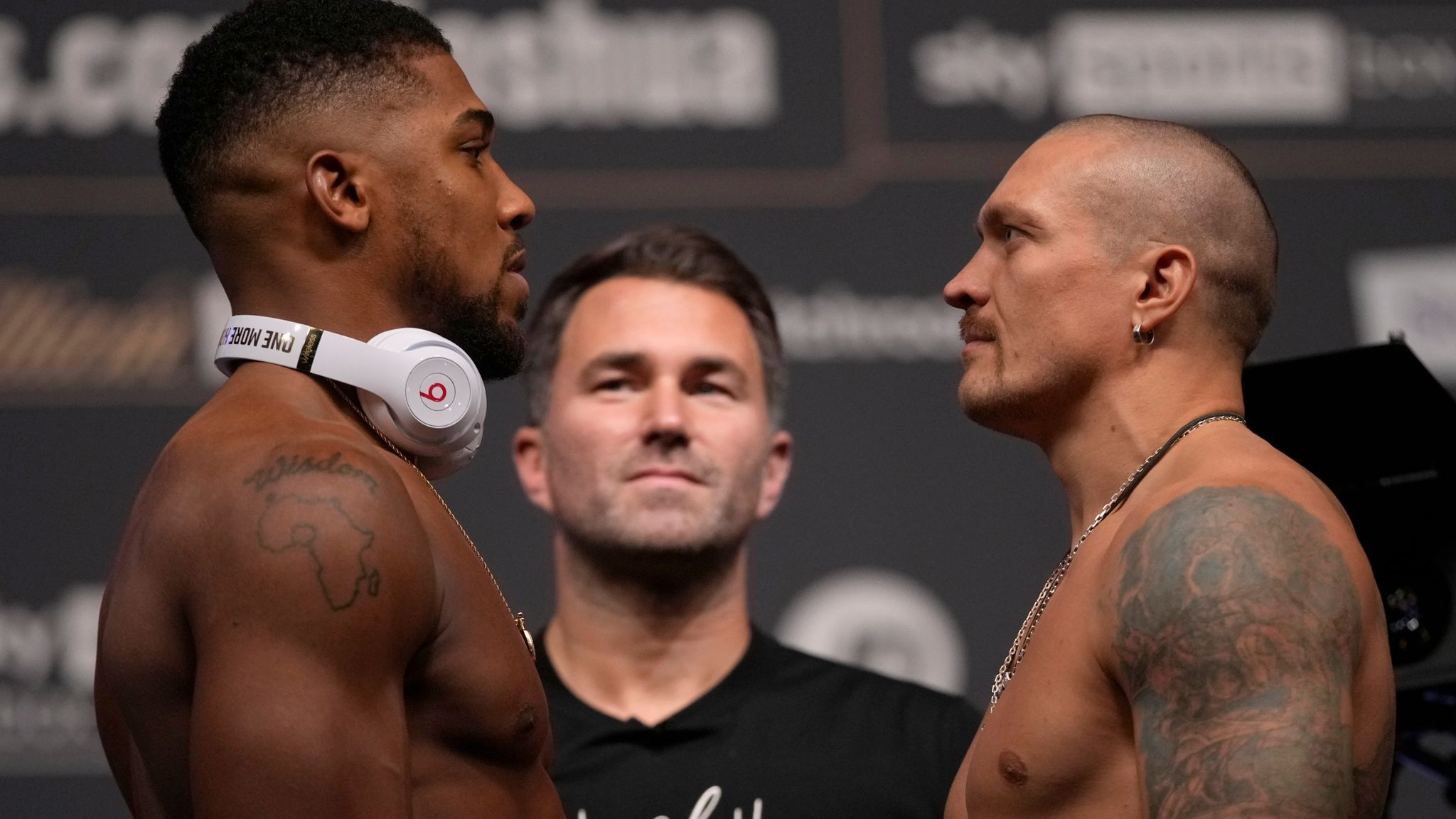 Anthony Joshua and Oleksandr Usyk: Tense stare-down at weigh-in before  world heavyweight title fight   UK News   Sky News