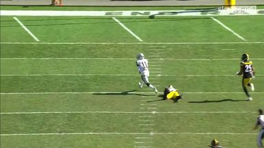 Carr throws 61-yard TD launch to Ruggs III