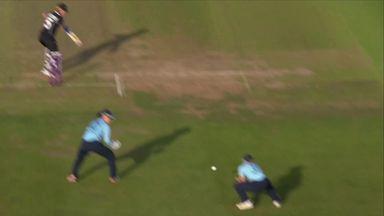 Cross puts New Zealand in trouble!