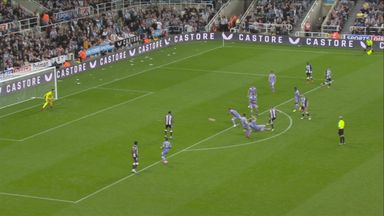 Ritchie off the post! (35)