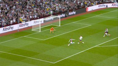 Goal L Bailey (75) Aston Villa 3 - 0 Everton
