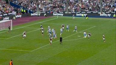 Shot P Fornals (81) West Ham 1 - 1 Manchester Utd