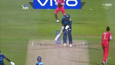 Ouch! Tiwary hit in the box by Arshdeep throw!