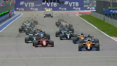 Sainz gets past Norris at the start!