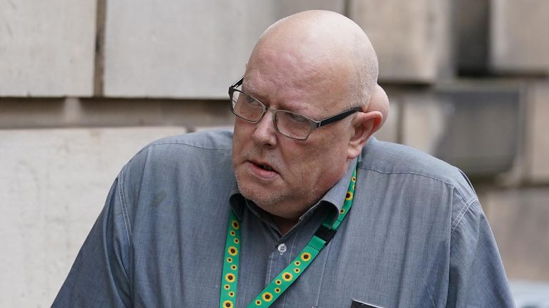 """Gordon Yuill, the father of John Yuill, arriving for a hearing in the M9 death crash case at Edinburgh High Court. Police Scotland has pleaded guilty to failings which """"materially contributed"""" to the death of Lamara Bell, 25, following the crash on the M9. Picture date: Tuesday September 7, 2021."""