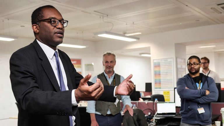 BEIS Kwasi Kwarteng visits department for business control room 30/09/2021. London, United Kingdom. The Secretary of State for Business, Energy and Industrial Strategy Kwasi Kwarteng visits the department for business control room to thank staff working on the fuel supply situation. Picture by Tim Hammond / No 10 Downing Street