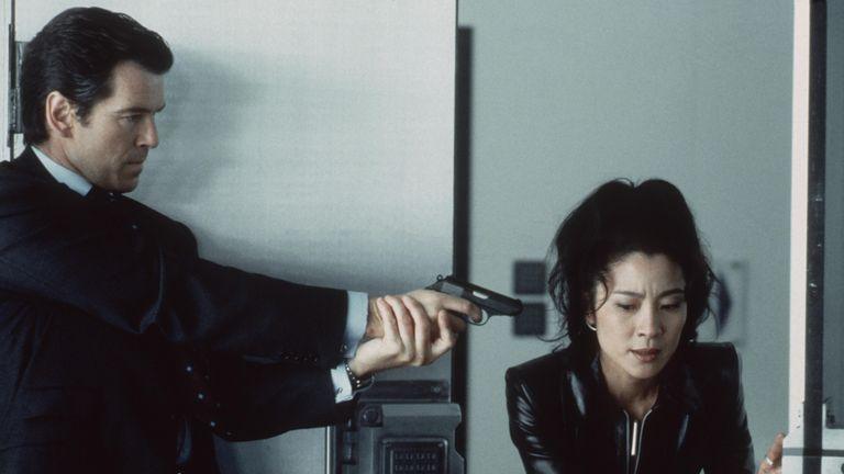 Tomorrow Never Dies - 1997 Pierce Brosnan, Michelle Yeoh