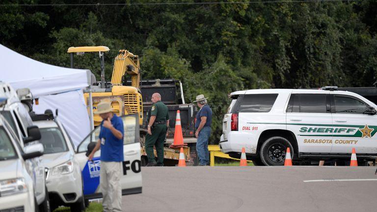 Camions transportant du matériel de forage jusqu'à la réserve Carlton.  Photo: AP