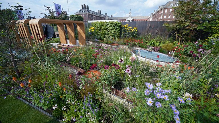 Finding Our Way: an NHS Tribute Garden, designed by Naomi Ferrett-Cohen, for the University of Oxford and the Oxford university hospitals NHS foundation trust