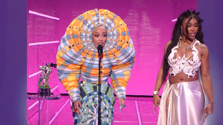 Doja Cat and SZA won best collaboration. Pic: MTV