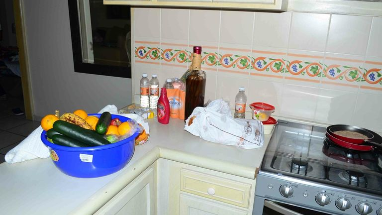 """Food and drinks sit on a kitchen countertop in a high-rise condominium where famed drug boss Joaquin Guzman Loera """"El Chapo"""" was arrested, in Mazatlan, Mexico, Saturday Feb. 22, 2014. At the moment of his arrest, Guzman was found with an unidentified woman, said one official not authorized to be quoted by name, adding that the U.S. Drug Enforcement Administration and the Marshals Service were """"heavily involved"""" in the capture. No shots were fired. (AP Photo/El Debate de Mazatlan) MEXICO OUT, NO"""