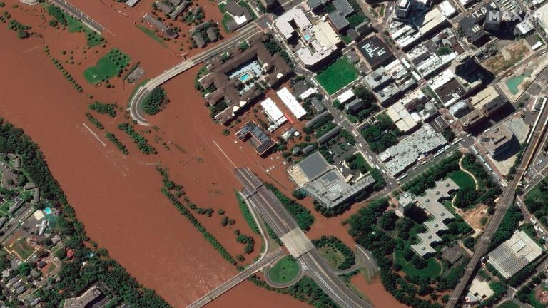 IDA - satellite image from Maxar Technologies, Memorial Parkway is submerged in floodwaters from the Raritan River - NEW JERSEY PIC:AP/MAXAR
