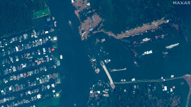 AFTER IMAGE This combination of satellite images provided by Maxar Technologies shows a closer view of Barataria, La., on Nov. 22, 2020, top, and flooding and storm damage of the same area on Tuesday, Aug. 31, 2021, bottom, following Hurricane Ida.  PIC:MAXAR/AP