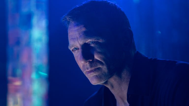 B25_05907_RC..James Bond (Daniel Craig) in..NO TIME TO DIE ..an EON Productions and Metro Goldwyn Mayer Studios film..Credit: Nicola Dove.... 2020 DANJAQ, LLC AND MGM.  ALL RIGHTS RESERVED...