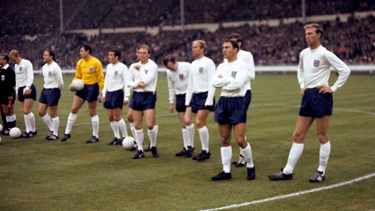 Jimmy Greaves (2nd right), alongside other legends of the England 1966 World Cup tournament, (l-r) Bobby Moore, George Cohen, Gordon Banks, Ian Callaghan, Roger Hunt, Ray Wilson, Nobby Stiles, Bobby Charlton, Martin Peters (hidden), and Jack Charlton