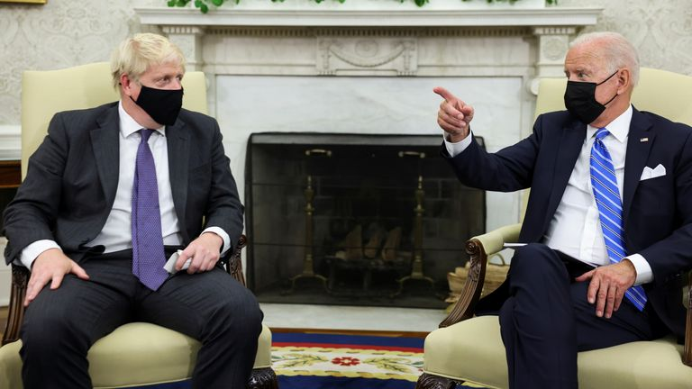 U.S. President Joe Biden holds a bilateral meeting with British Prime Minister Boris Johnson in the Oval Office at the White House in Washington, U.S., September 21, 2021. REUTERS/Evelyn Hockstein