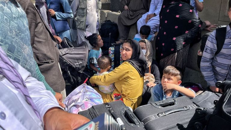 People wanting to leave AFghanistan