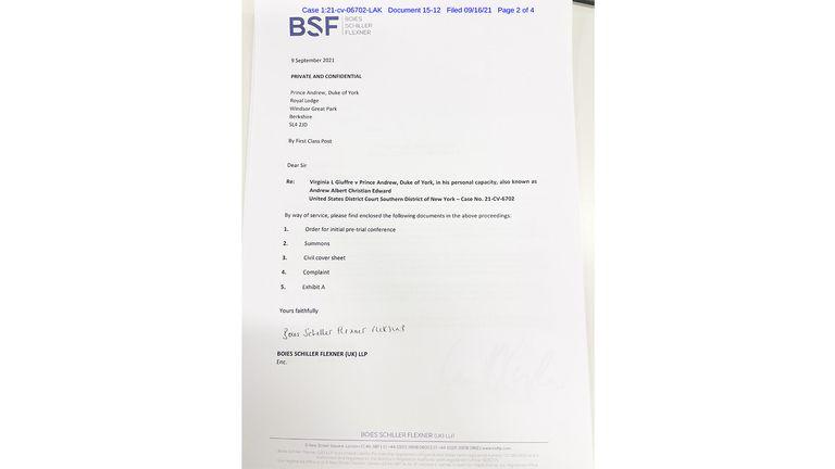 Les avocats de Virginia Roberts publient une photo de documents juridiques sur les abus sexuels publiés au prince Andrew