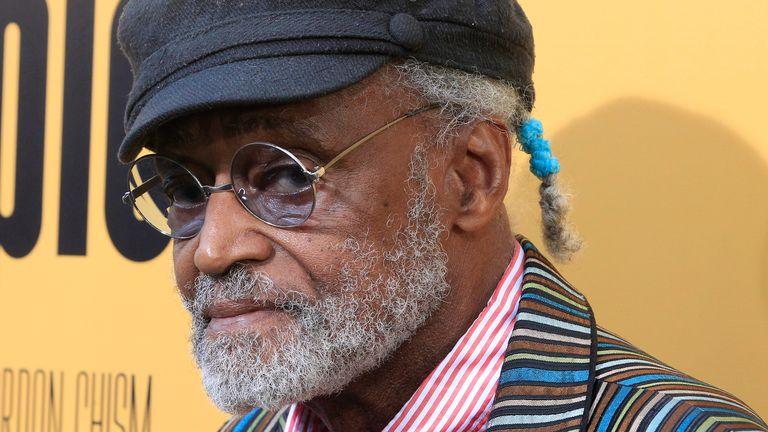 Melvin Van Peebles: Filmmaker dubbed the 'godfather of black cinema' dies aged 89 | Ents & Arts News