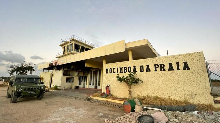 The airport in Mocombia de Praia has been trashed  during the fighting