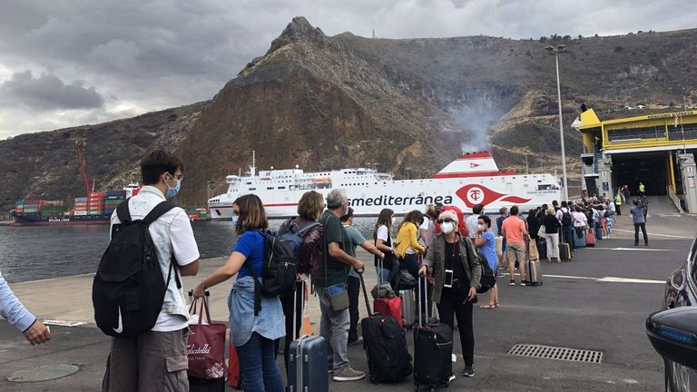 palma volcano airline queues