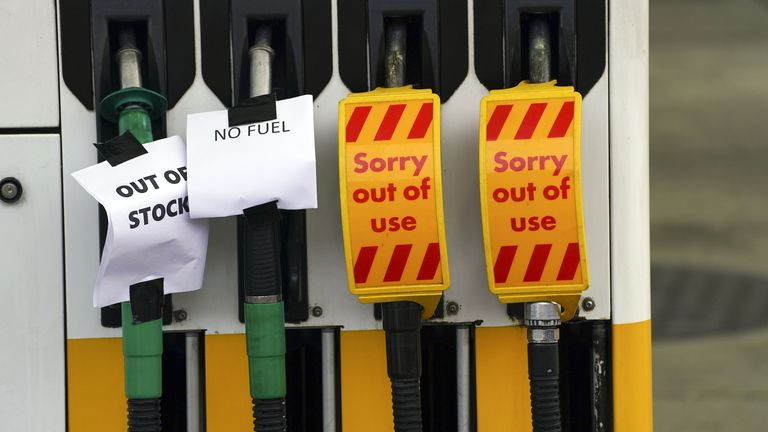 A Shell petrol station in Bracknell which has no fuel