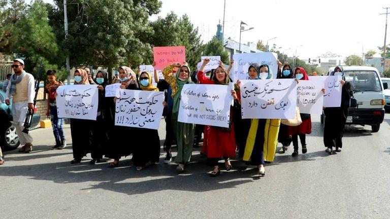 Afghan women protest in Mazar-i-Sharif