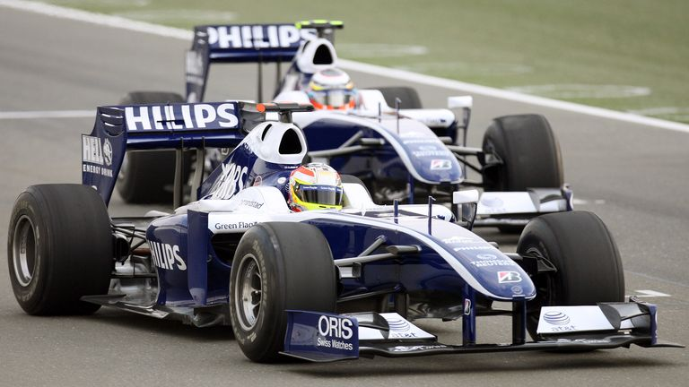 Formula One driver Nico Hulkenberg of Germany drives the new Williams car during a test at Losail International Circuit, December 10, 2009. REUTERS/Mohammed Dabbous (QATAR)