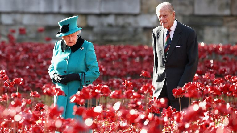 2014 Queen Elizabeth II and the Duke of Edinburgh visit the Tower of London's Blood Swept Lands and Seas of Red installation.