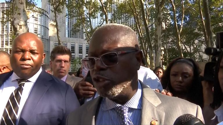 R Kelly's lawyer Deveraux Cannick