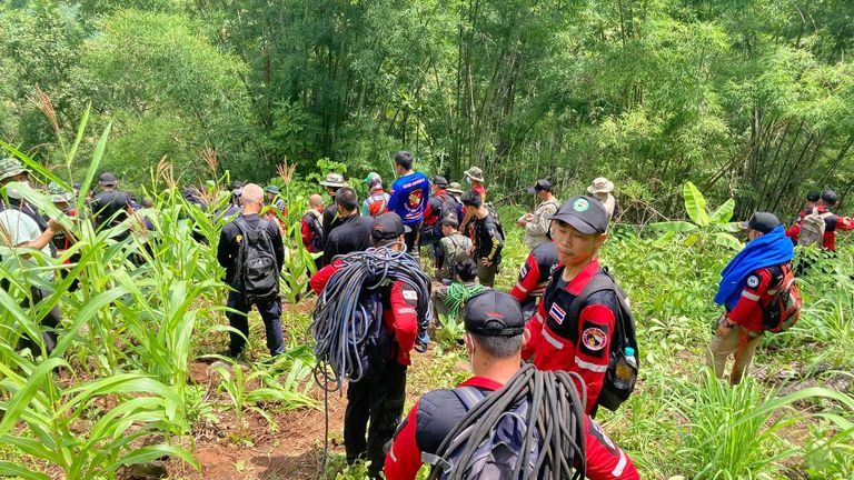 Search and rescue teams along with volunteers looked for missing Gina. Pic: Red Hawk Rescue Team, Maena Municipality.