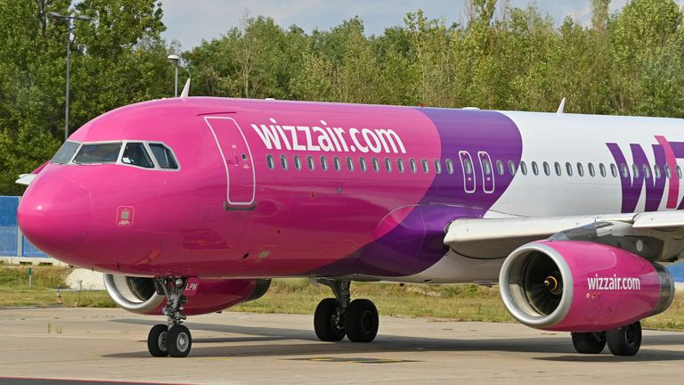 24 August 2020, Brandenburg, Sch'nefeld: A passenger plane of the Hungarian low-cost airline Wizz Air Hungary Ltd. is parked at Berlin-Sch'nefeld Airport. Photo by: Patrick Pleul/picture-alliance/dpa/AP Images