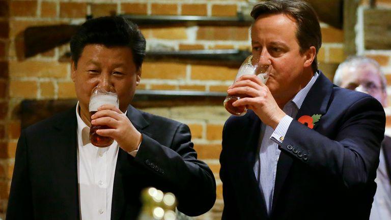 President Xi Jinping and David Cameron at the Plough pub