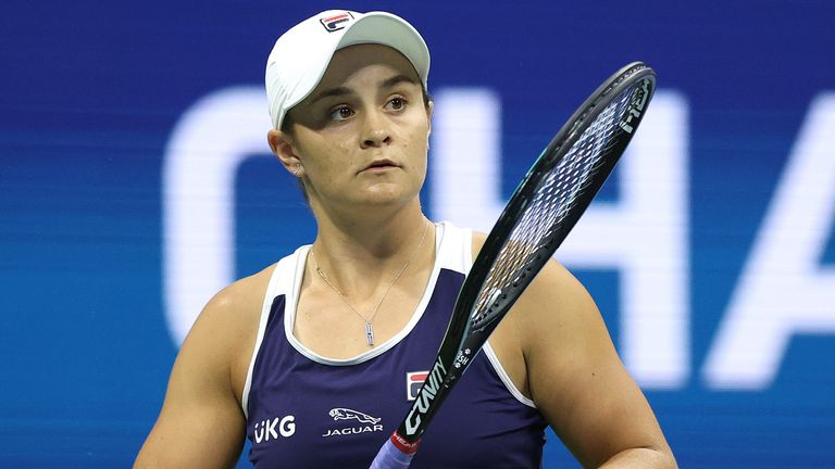 Ashleigh Barty of Australia warms up before her Women's Singles third round match against Shelby Rogers of the United States on Day Six of the 2021 US Open at the USTA Billie Jean King National Tennis Center on September 04, 2021 in the Flushing neighborhood of the Queens borough of New York City. (Photo by Elsa/Getty Images)