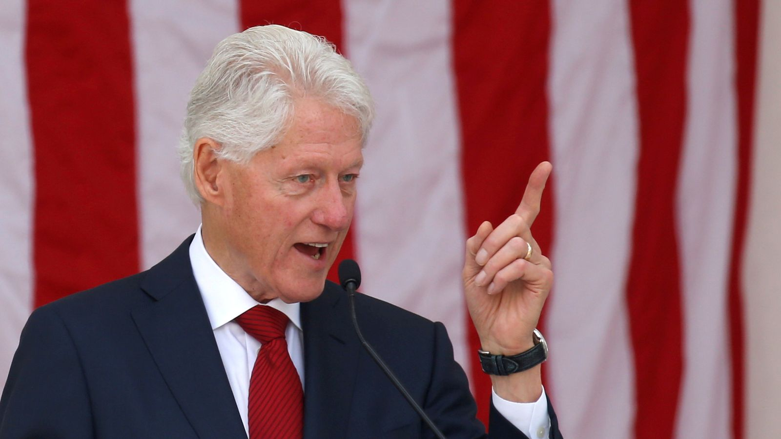 Bill Clinton: Former US president 'responding well' to hospital treatment for infection