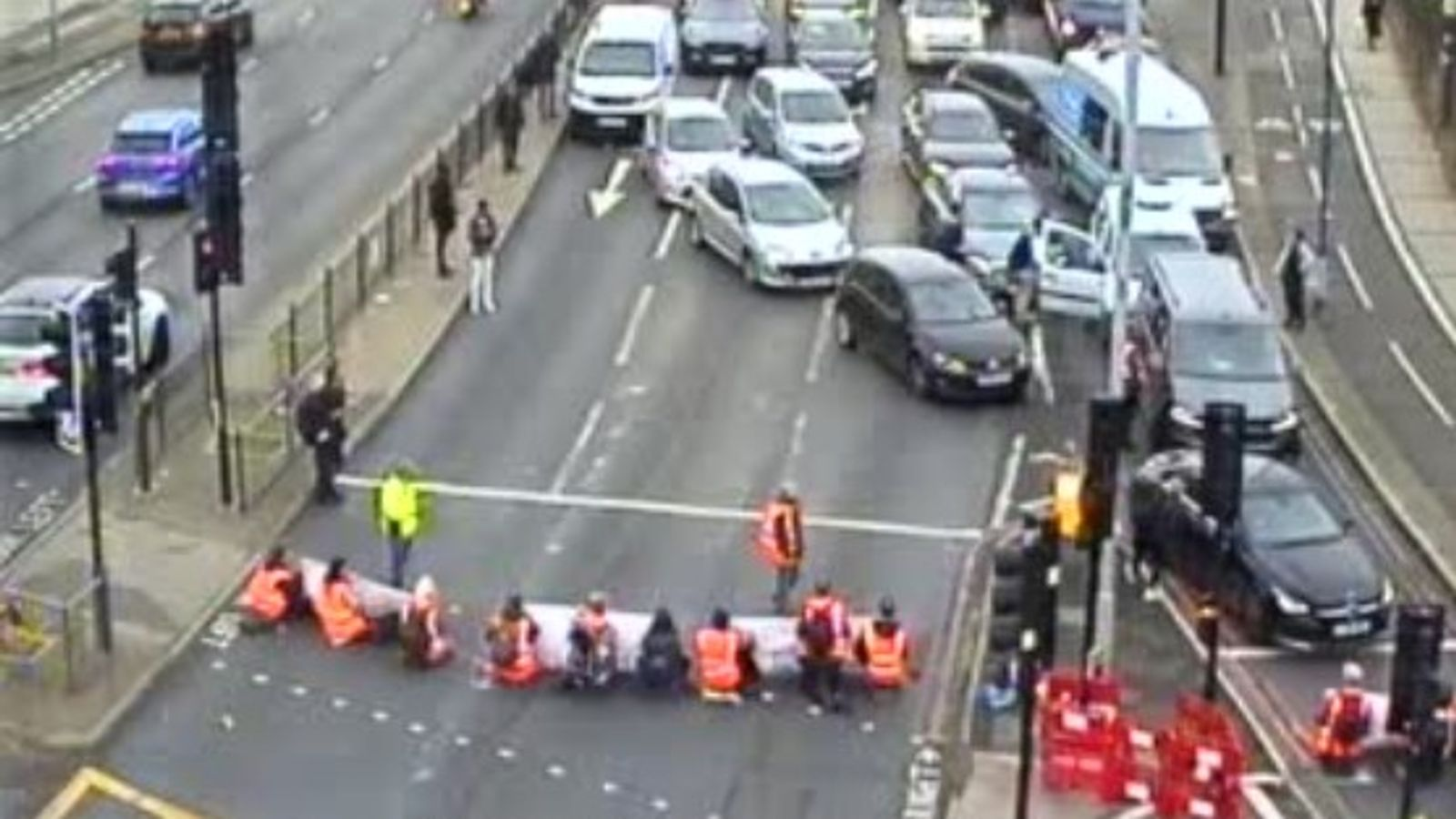Insulate Britain protesters block roads in Dartford and west London