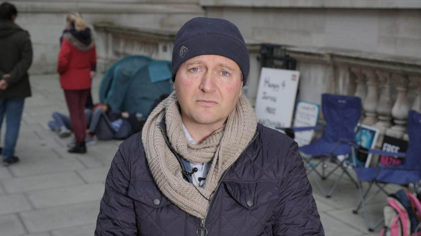 Nazanin Zaghari-Ratcliffe: Husband on hunger strike outside Foreign Office for second time in two years