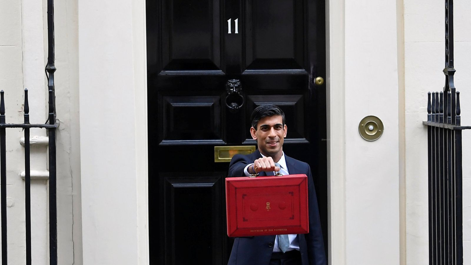 Budget 2021: Rishi Sunak 'fighting in the fog' as he sets the tenor of his chancellorship