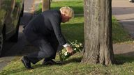 PM lays flowers in tribute to Sir David Amess. Pic: No 10