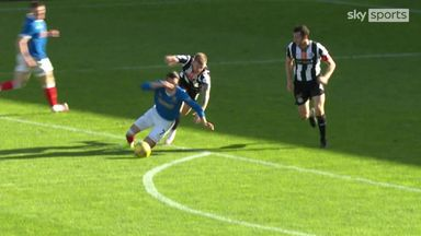 Roofe brings Rangers level