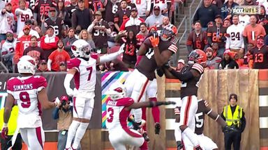 Hail Mary TD! Mayfield finds Peoples-Jones in the endzone!