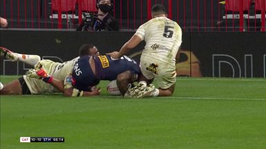 Naiqama grabs his second try of final