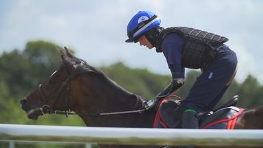 One-handed rider chases jockey dream