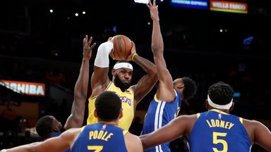 LeBron scores 34 in Lakers defeat