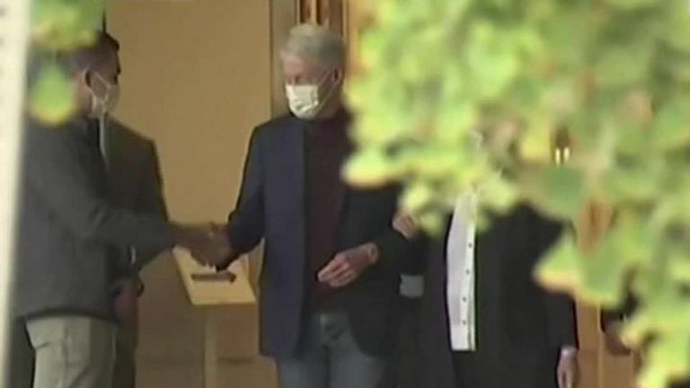 Bill Clinton leaves hospital after treatment for an infection